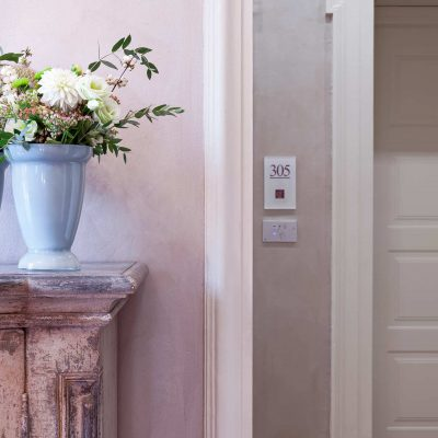 Dettaglio-vaso-fiori-(1)